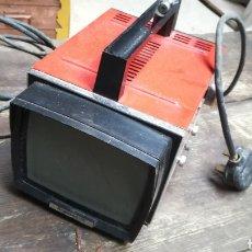 Antigüedades: ANTIGUA TELEVISIÓN RUSA PORTÁTIL RIGONDA. Lote 158070768