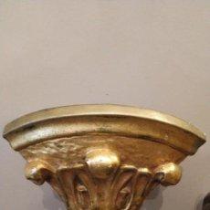Antigüedades: MENSULA EN ESQUINA ESQUINERO EN YESO DORADO DORADA - PIGMALION BARCELONA. Lote 158146886