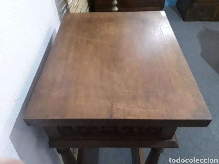 Antigüedades: Mesa auxiliar de nogal - Foto 2 - 158226376