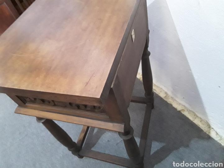 Antigüedades: Mesa auxiliar de nogal - Foto 4 - 158226376