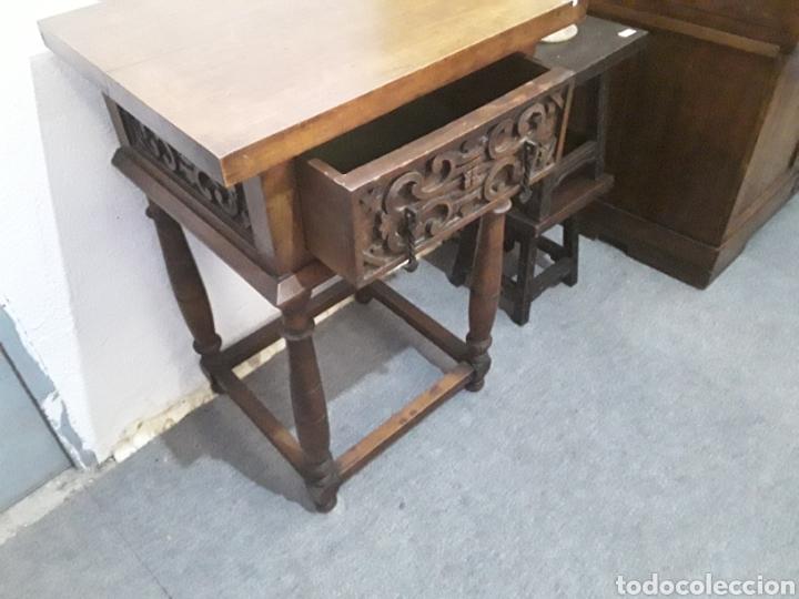 Antigüedades: Mesa auxiliar de nogal - Foto 6 - 158226376