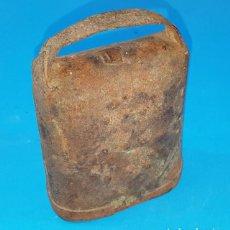 Antigüedades: ANTIGUO CENCERRO 10 CM ALTO CON BADAJO. Lote 158313918