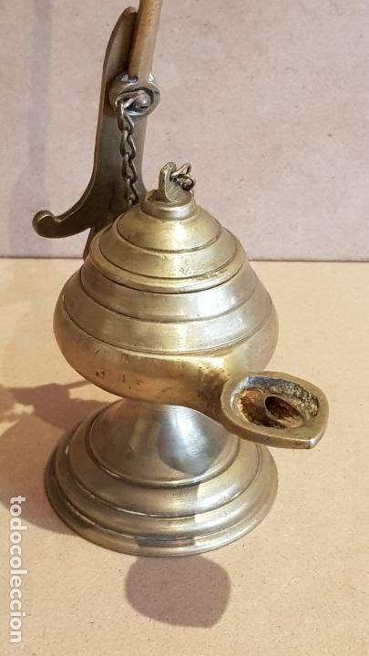 Antigüedades: MUY BONITO CANDIL O LÁMPARA DE ACEITE EN PERFECTO ESTADO / LAS MEDIDAS SON: 23X10X6 CM. - Foto 3 - 158372762