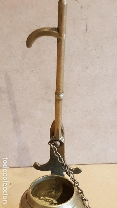 Antigüedades: MUY BONITO CANDIL O LÁMPARA DE ACEITE EN PERFECTO ESTADO / LAS MEDIDAS SON: 23X10X6 CM. - Foto 6 - 158372762