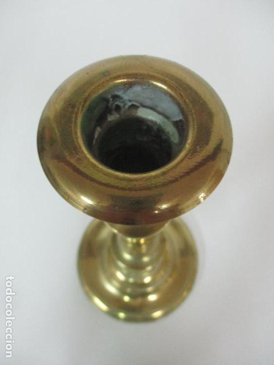 Antigüedades: Antiguo Candelabro - Bronce - 24 cm Altura - Peso 470 gr - S. XIX - Foto 5 - 158374274