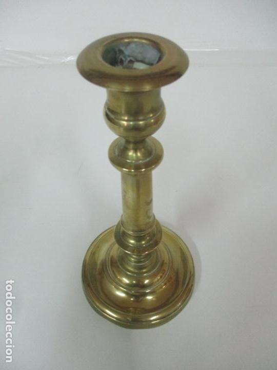 Antigüedades: Antiguo Candelabro - Bronce - 24 cm Altura - Peso 470 gr - S. XIX - Foto 10 - 158374274