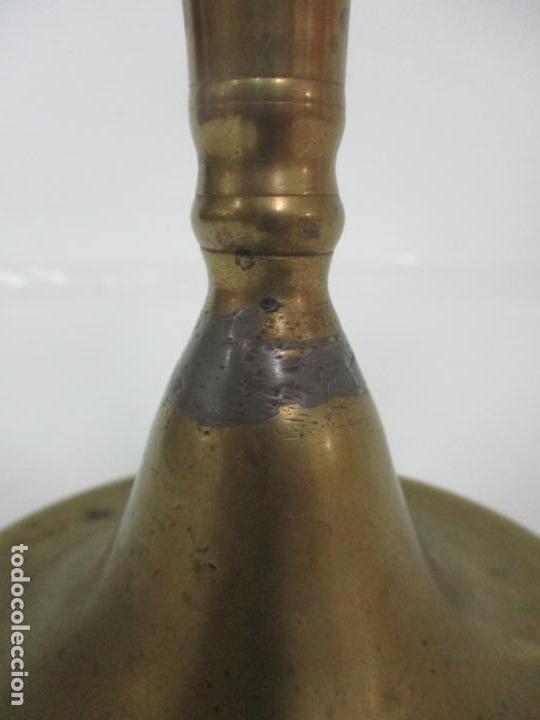 Antigüedades: Antiguo Candelabro - Bronce - 20 cm Altura - Peso 419 gr - S. XIX - Foto 4 - 158374970
