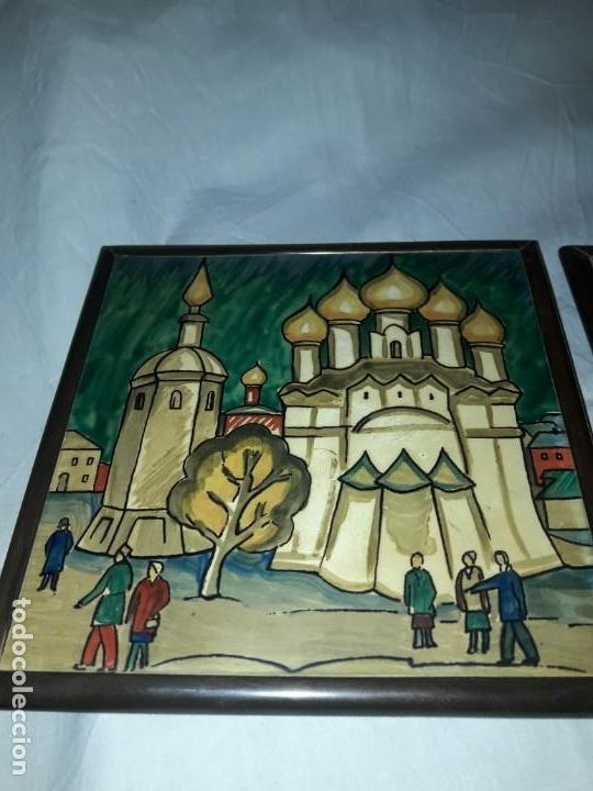Antigüedades: Magnifico antiguo par de azulejos pintados a mano con moldura de bronce Rusia - Foto 4 - 158381106