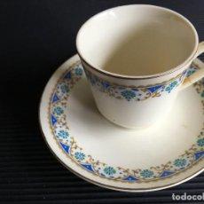 Antigüedades: MAGNIFICO PLATO Y TAZA DE CAFÉ DE PORCELANA CHINA. Lote 158411346