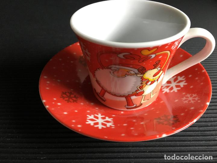 MAGNIFICO PLATO Y TAZA DE CAFÉ DE PORCELANA, DISEÑO NAVIDEÑO (Antigüedades - Porcelanas y Cerámicas - Otras)