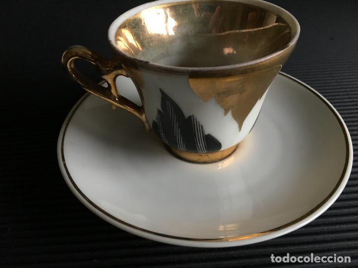 Antigüedades: ELEGANTE PLATO Y TAZA DE CAFÉ DE PORCELANA, - Foto 2 - 158412394
