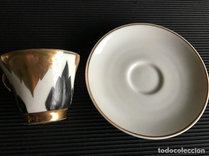 Antigüedades: ELEGANTE PLATO Y TAZA DE CAFÉ DE PORCELANA, - Foto 5 - 158412394