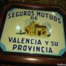 Antigüedades: PRECIOSO CUADRO CON AZULEJO SEGUROS MUTUOS DE VALENCIA Y SU PROVINCIA. Lote 158421405
