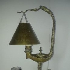 Antigüedades: RARA LAMPARA SOBREMESA DE BRONCE EPOCA MODERNISTA , FINALES S.XIX PRINCIPIO S. XX. Lote 158322742