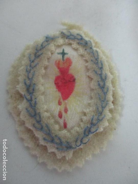 Antigüedades: Antiguo Escapulario en Ropa Bordada y Pintada - Sagrado Corazón - S. XIX - Foto 5 - 158554446