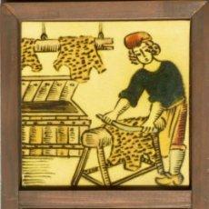 Antigüedades: 2 AZULEJOS DE OFICIOS ENMARCADOS EN MARCO DE MADERA. Lote 158605714