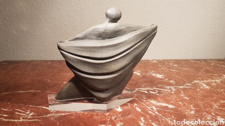 Antigüedades: FIGURA BAILARINA DE CERAMICA VIDRIADA GRIS CON BASE DE METACRILATO - Foto 4 - 158617685