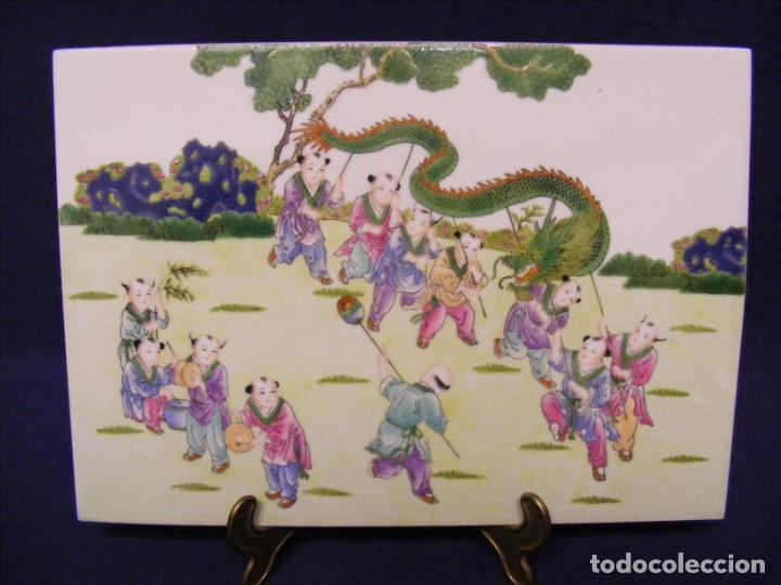 PLACA EN PORCELANA CHINA (Antigüedades - Porcelanas y Cerámicas - China)