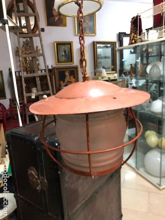 Antigüedades: ANTIGUA LAMPARA FAROL INDUSTRIAL TIPO DE BARCO CON MEDIDA SIN CADENA DE 27X18 CM - Foto 3 - 158672138