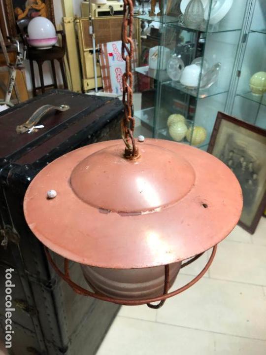 Antigüedades: ANTIGUA LAMPARA FAROL INDUSTRIAL TIPO DE BARCO CON MEDIDA SIN CADENA DE 27X18 CM - Foto 4 - 158672138