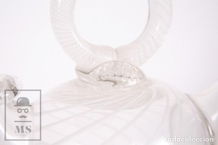 Antigüedades: Botijo de Vidrio Soplado Artesanal - Sello Argentona, 1985 - Leve Tono Gris con Líneas Blancas - Foto 9 - 158680022