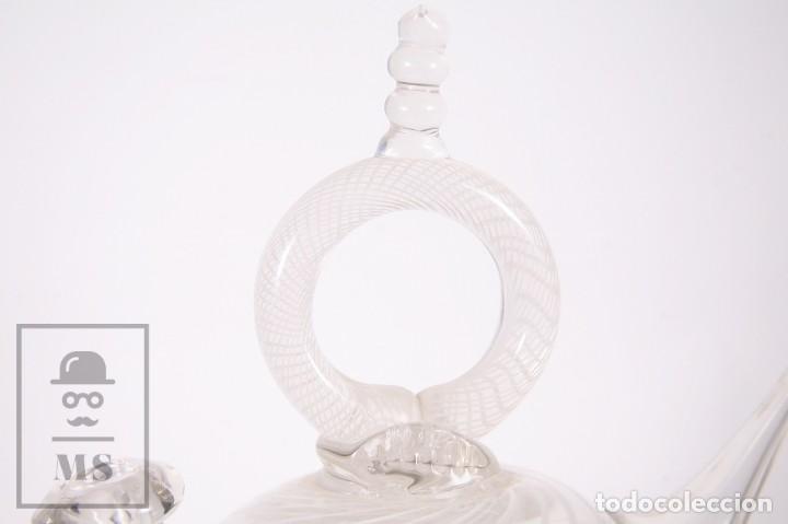 Antigüedades: Botijo de Vidrio Soplado Artesanal - Sello Argentona, 1985 - Leve Tono Gris con Líneas Blancas - Foto 10 - 158680022
