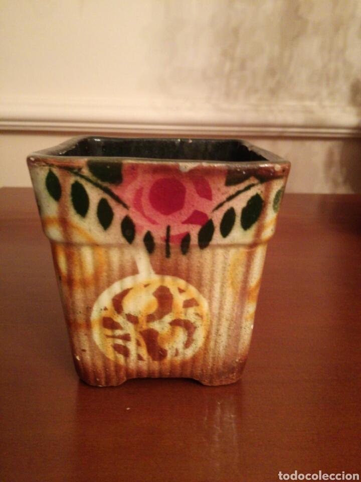 PEQUEÑA JARDINERA MODERNISTS (Antigüedades - Porcelanas y Cerámicas - Otras)