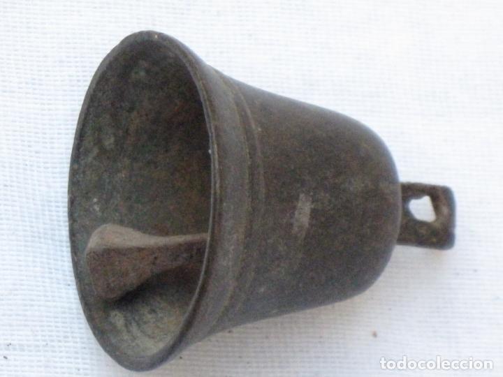 Antigüedades: LOTE DE 6 CAMPANILLAS PEQUEÑAS ANTIGUAS EN BRONCE. - Foto 2 - 158694414