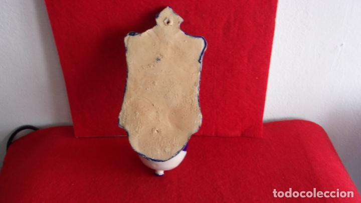 Antigüedades: bonita benditera ceramica,talavera? - Foto 3 - 158719370