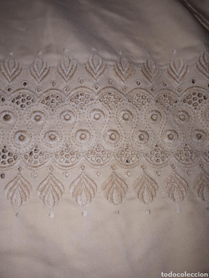 COLCHA ANTIGUA BORDADA (Antigüedades - Hogar y Decoración - Colchas Antiguas)