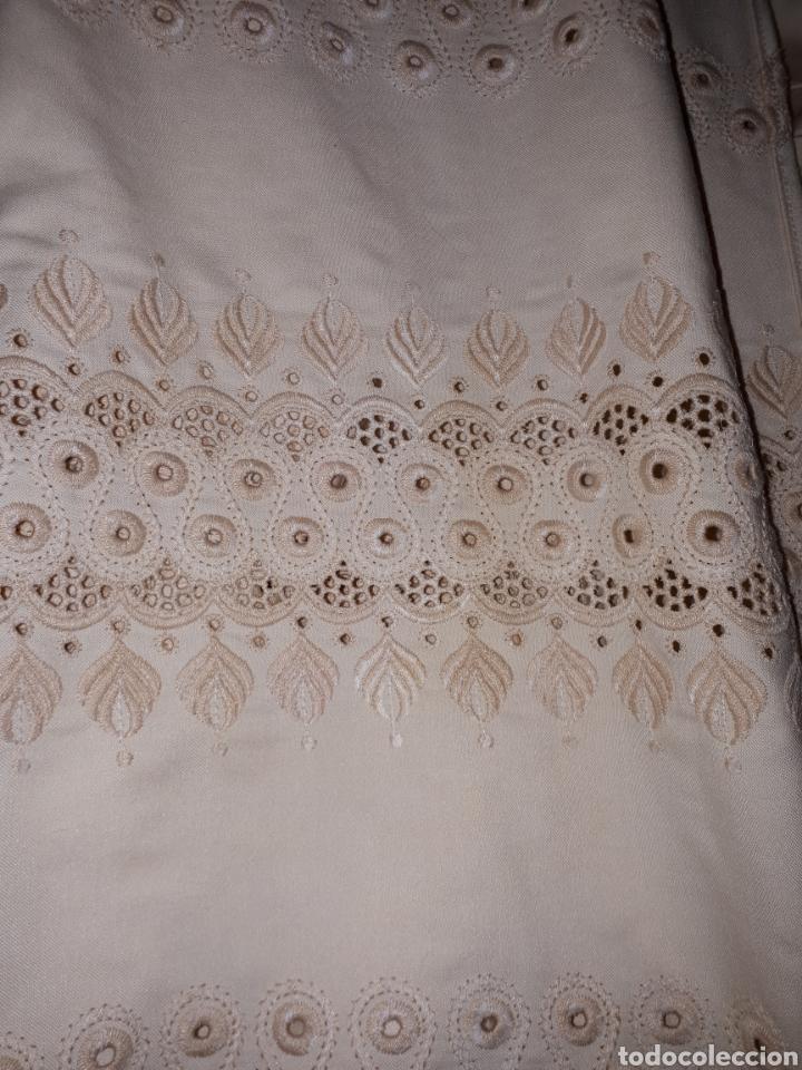 Antigüedades: Colcha antigua bordada - Foto 11 - 158747586