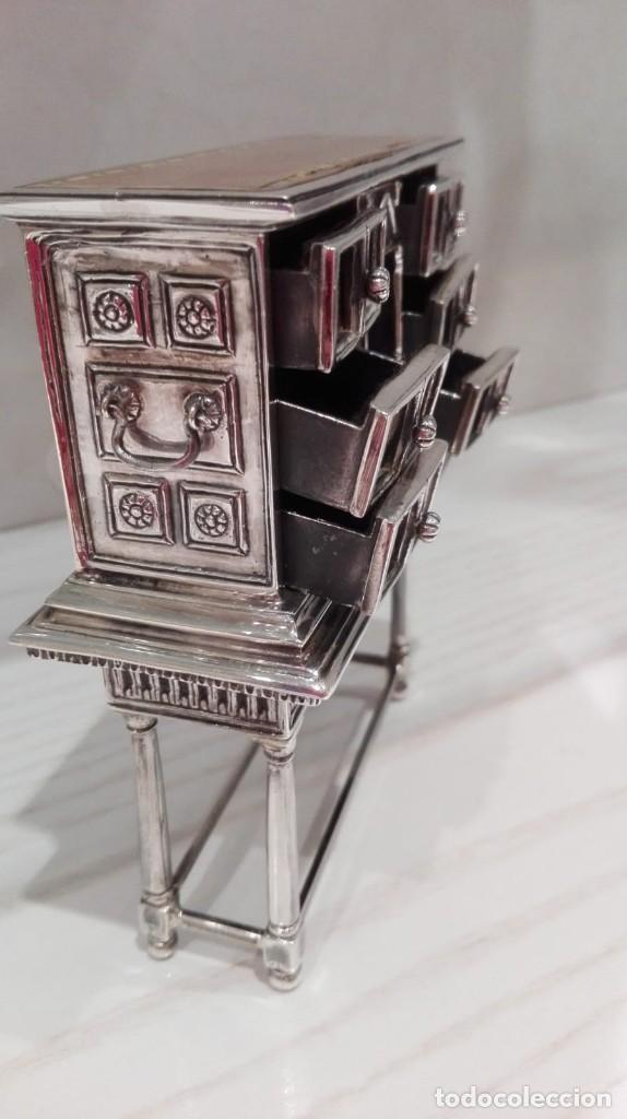 Antigüedades: miniatura Bargueño en plata con siete cajones extraibles. 13x11x4,5 de colección - Foto 2 - 171276498