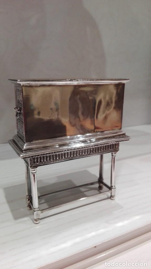 Antigüedades: miniatura Bargueño en plata con siete cajones extraibles. 13x11x4,5 de colección - Foto 6 - 171276498