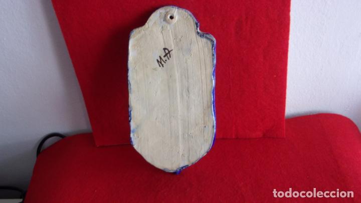 Antigüedades: benditera ceramica,Talavera,buen tamaño - Foto 3 - 158790746