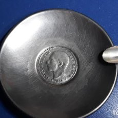 Antigüedades: CENICERO DE ALPACA. CON MONEDA DE ALFONSO XIII. Lote 158855498