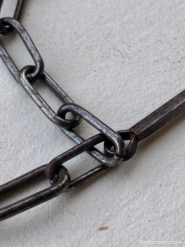 Antigüedades: Antigua cadena de forja con cruz - Foto 6 - 158873504