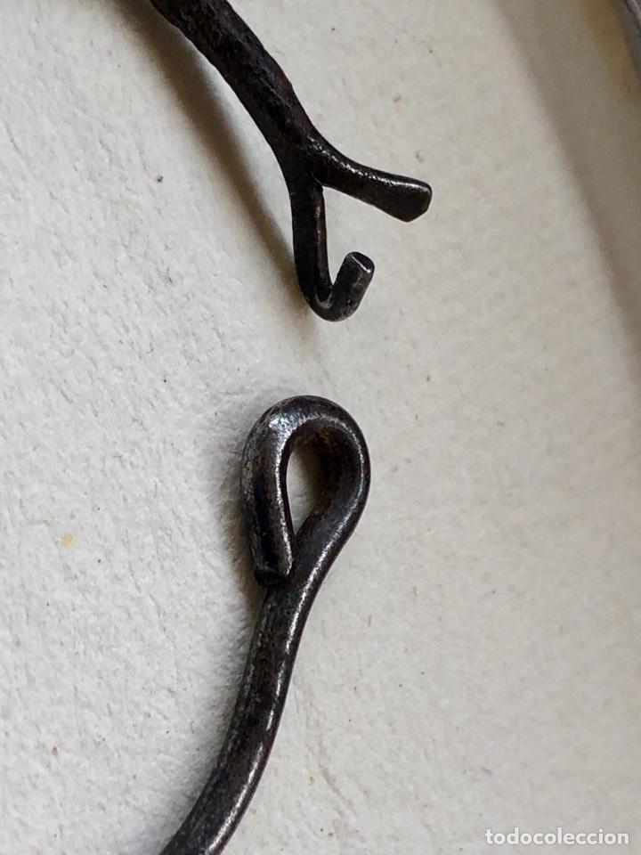 Antigüedades: Antigua cadena de forja con cruz - Foto 10 - 158873504