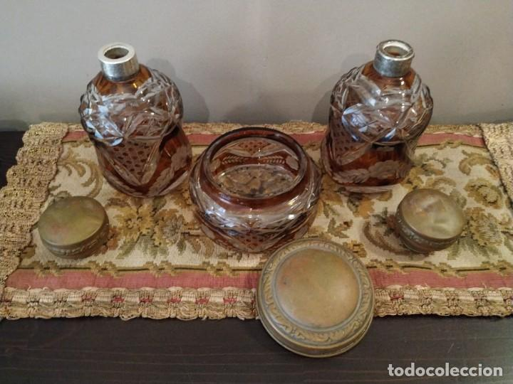Antigüedades: JUEGO TOCADOR CRISTAL AMBAR TALLADO DE BOHEMIA - Foto 11 - 158892418
