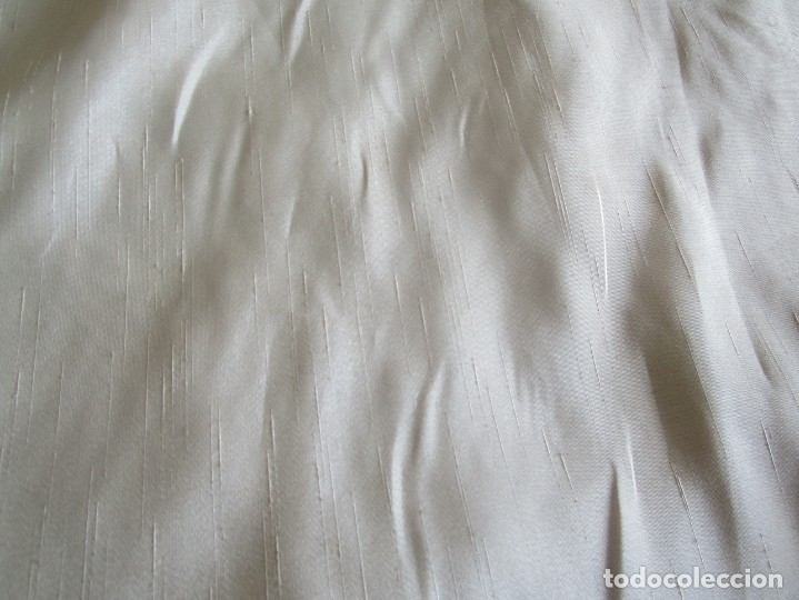 Antigüedades: antiguo tapiz con barra para colgar 1,54 m x 1,05 m - Foto 16 - 104682055