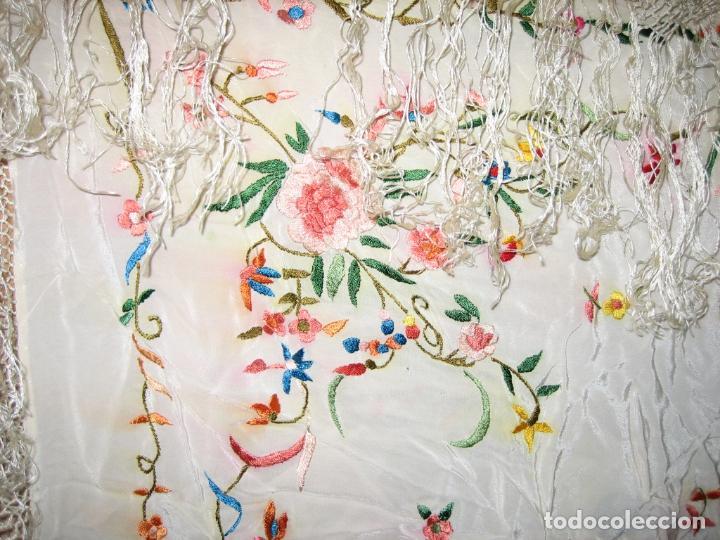 Antigüedades: Antiguo mantón bordado a mano - Foto 7 - 158969806