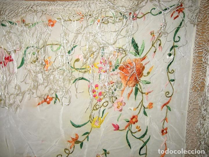 Antigüedades: Antiguo mantón bordado a mano - Foto 8 - 158969806