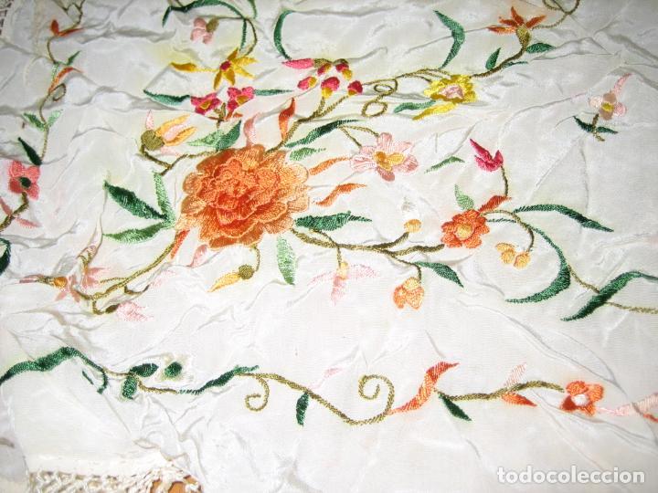 Antigüedades: Antiguo mantón bordado a mano - Foto 13 - 158969806