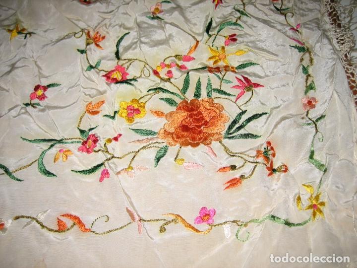 Antigüedades: Antiguo mantón bordado a mano - Foto 14 - 158969806