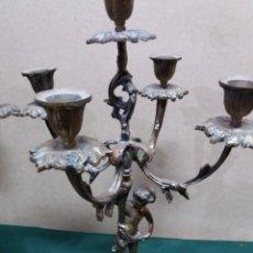 Antigüedades: PAREJA CANDELABROS BRONCE. Lote 159033010