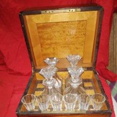 Antiques: ESPECTACULAR LICORERA FRANCESA CON MARQUETERÍA CAOBA SIGLO XIX. Lote 159104962