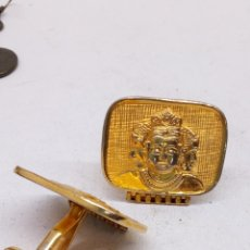 Antigüedades: GEMELOS BUDISTAS CHAPADOS. Lote 159109961