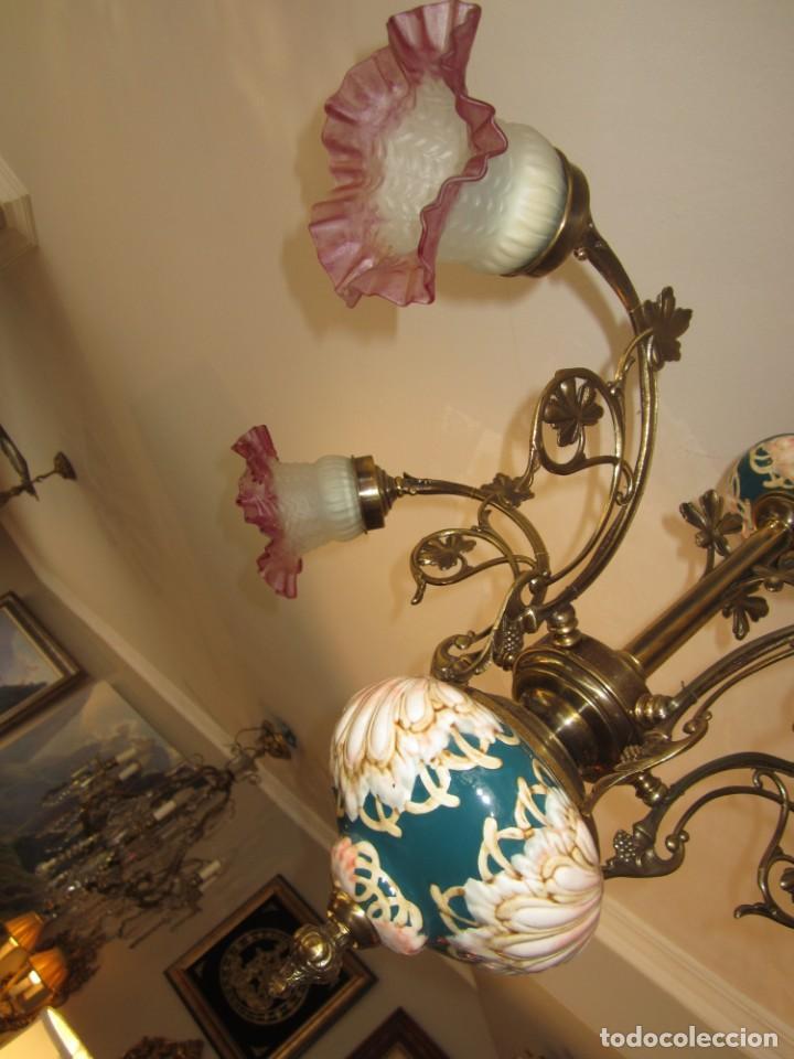 Antigüedades: PRECIOSA LAMPARA DE BRONCE Y MAJOLICA - Foto 4 - 159115046