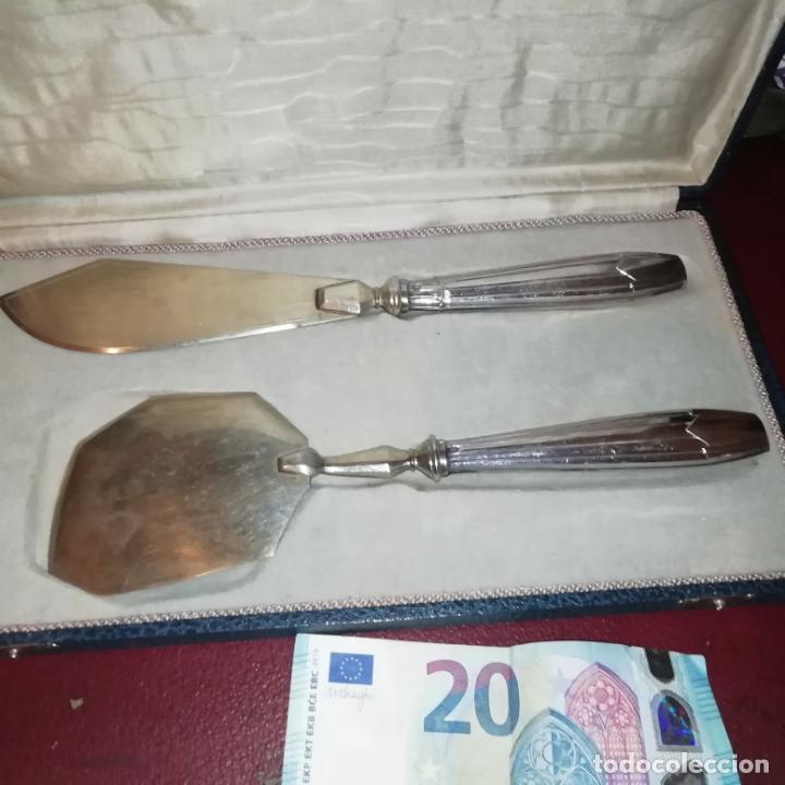 PAREJA DE CUBIERTOS DE REPOSTERÍA. PLATA CONTRASTADA. EN CAJA ORIGINAL (Antigüedades - Platería - Plata de Ley Antigua)