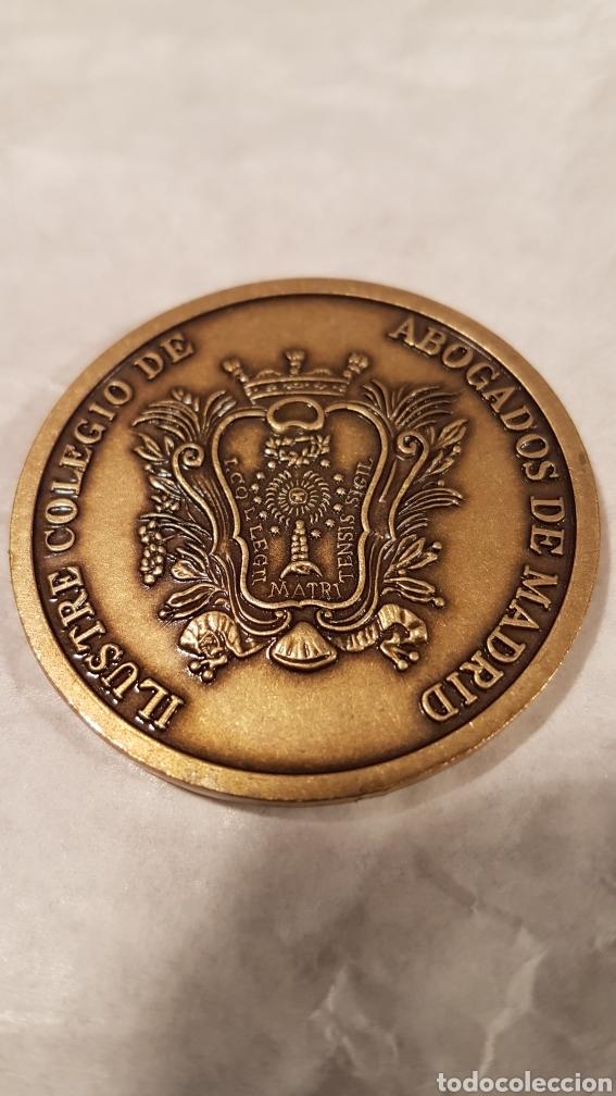 Antigüedades: MEDALLA DE BRONCE IV CENTENARIO. ILUSTRE COLEGIO DE ABOGADOS DE MADRID. - Foto 4 - 159163142