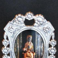 Antigüedades: ANTIGUO PORTAFOTOS CON IMAGEN VIRGEN DE MONTSERRAT. Lote 159168494